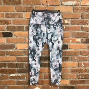 Evolution and Creation Scull Leggings Size Small